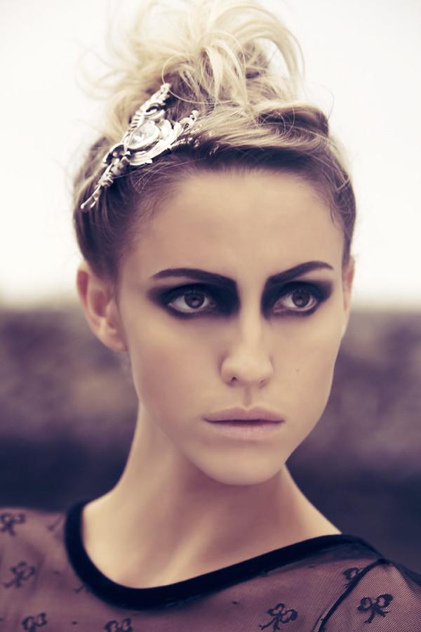 Tessa O'Connor fashion stylist. styling by fashion stylist Tessa O Connor.Updo Photo #60464