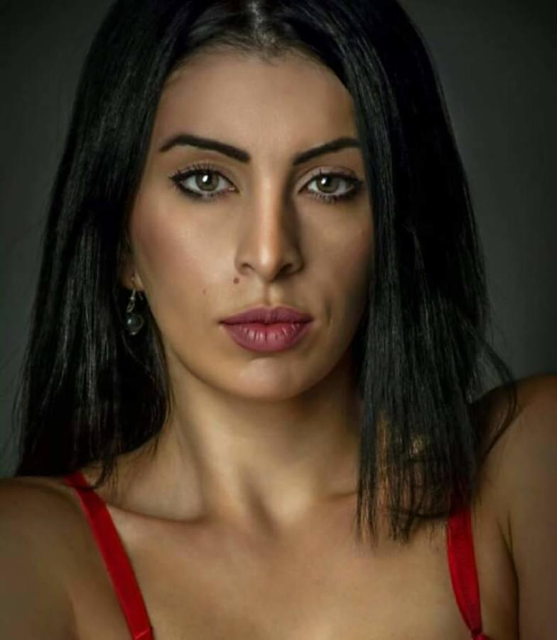 Thewna Stolichnaya model (μοντέλο). Photoshoot of model Thewna Stolichnaya demonstrating Face Modeling.Face Modeling Photo #204297