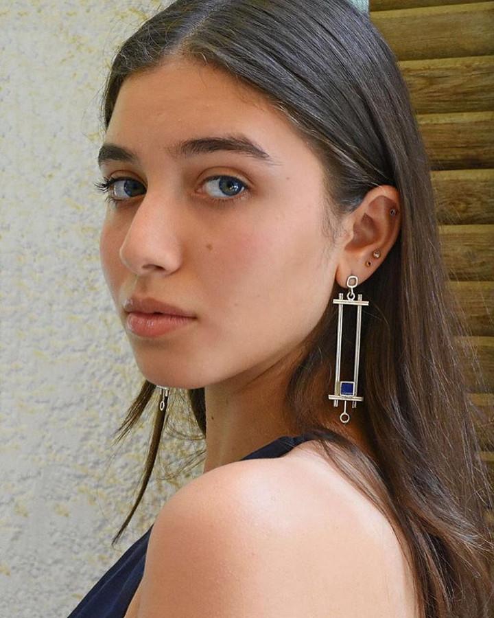 Thowyba Elboraay model. Photoshoot of model Thowyba Elboraay demonstrating Face Modeling.Face Modeling Photo #202878