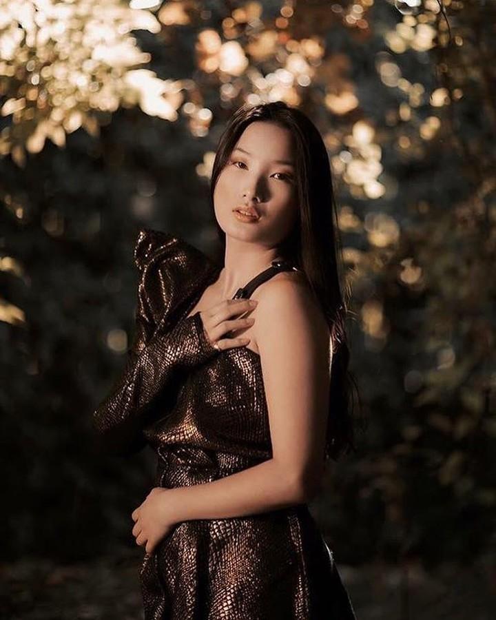 Tiffany Zhou model & actress. Photoshoot of model Tiffany Zhou demonstrating Fashion Modeling.Fashion Modeling Photo #180817