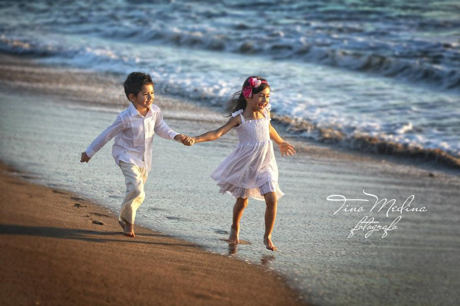 Tino Medina photographer. Work by photographer Tino Medina demonstrating Children Photography.Children Photography Photo #113541