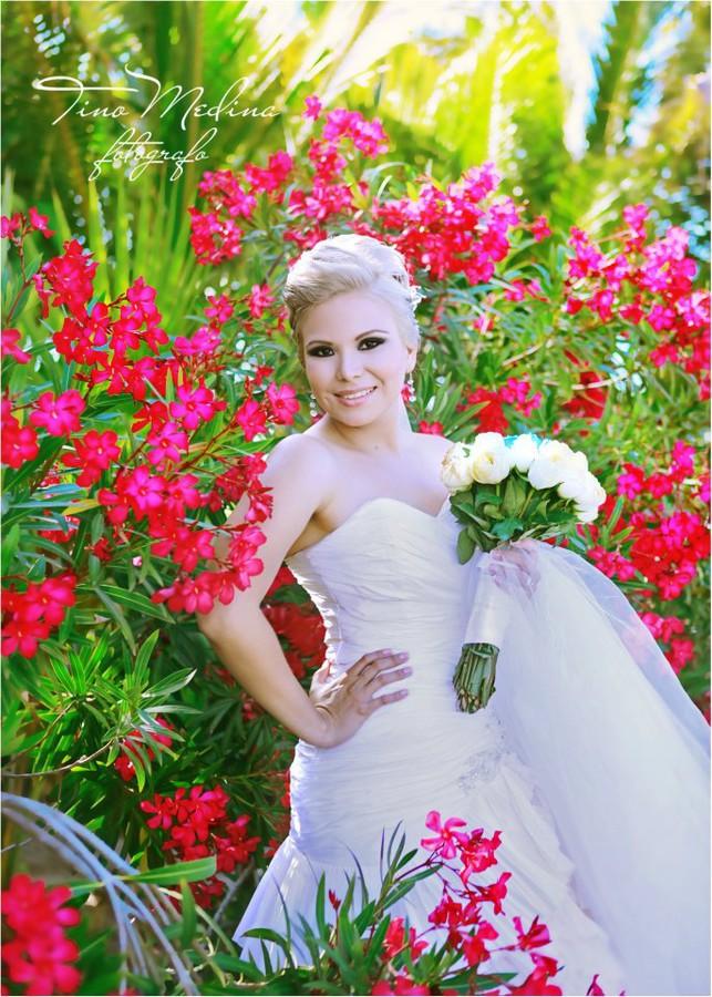 Tino Medina photographer. Work by photographer Tino Medina demonstrating Wedding Photography.Wedding Photography Photo #76306