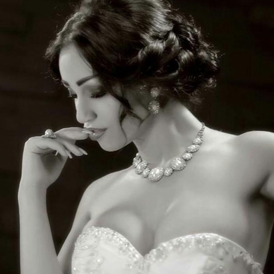 Tiya Alkerdi model. Photoshoot of model Tiya Alkerdi demonstrating Face Modeling.Face Modeling Photo #201555