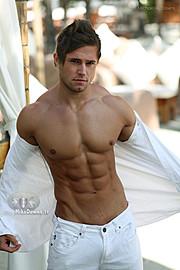Tomas Klic (Tomáš Klíč) fitness model. Photoshoot of model Tomas Klic demonstrating Body Modeling.Body Modeling Photo #92715
