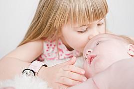 Tomasz Thor Veruson photographer (Tomasz Þór Veruson ljósmyndari). Work by photographer Tomasz Thor Veruson demonstrating Baby Photography.Baby Photography Photo #90093