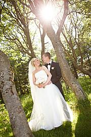 Tomasz Thor Veruson photographer (Tomasz Þór Veruson ljósmyndari). Work by photographer Tomasz Thor Veruson demonstrating Wedding Photography.Wedding Photography Photo #90094