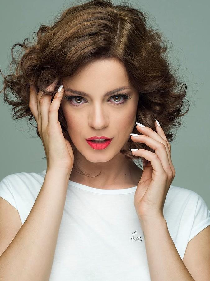 Traiana Anania model & actress. Photoshoot of model Traiana Anania demonstrating Face Modeling.Face Modeling Photo #177815