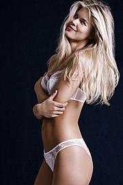 Tuva Heger model (modell). Photoshoot of model Tuva Heger demonstrating Body Modeling.Body Modeling Photo #111836