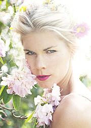 Tuva Heger model (modell). Photoshoot of model Tuva Heger demonstrating Face Modeling.Face Modeling Photo #93108