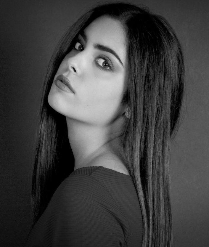 Vaia Kathiotou model & actress. Photoshoot of model Vaia Kathiotou demonstrating Face Modeling.Face Modeling Photo #164346