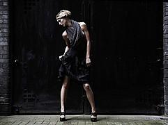Valentina Frugiuele photographer (photographe). Work by photographer Valentina Frugiuele demonstrating Fashion Photography.Fashion Photography,Editorial Styling Photo #60891