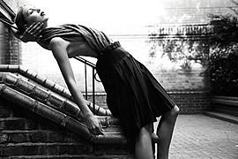 Valentina Frugiuele photographer (photographe). Work by photographer Valentina Frugiuele demonstrating Fashion Photography.Fashion Photography,Editorial Styling Photo #60892