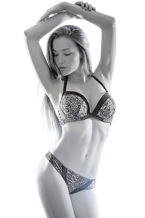 Valeria Gurevich model. Photoshoot of model Valeria Gurevich demonstrating Body Modeling.Body Modeling Photo #197583