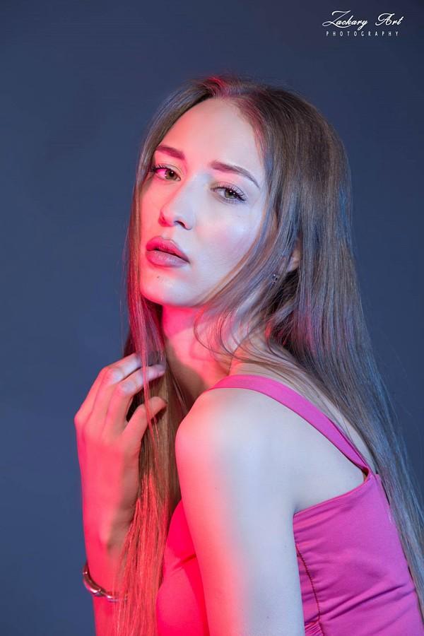 Valeria Kuzina model. Photoshoot of model Valeria Kuzina demonstrating Face Modeling.Face Modeling Photo #198927