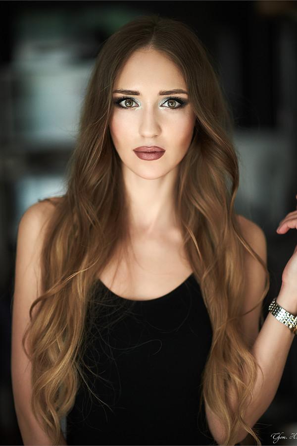 Valeria Kuzina model. Photoshoot of model Valeria Kuzina demonstrating Face Modeling.Face Modeling Photo #202497
