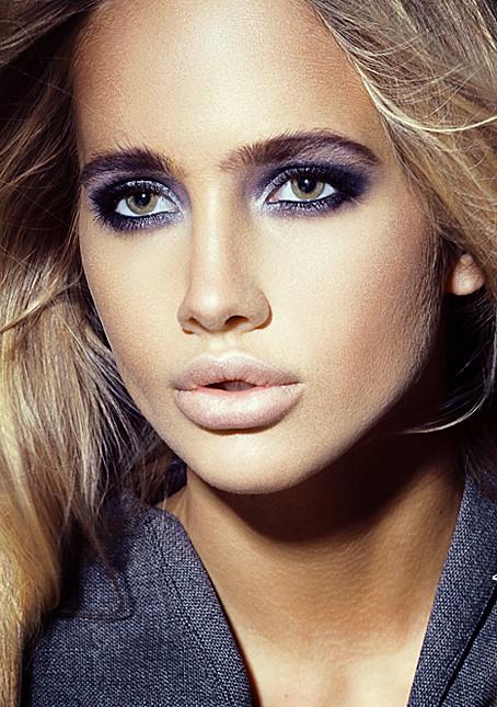 Valeria Sokolova model. Photoshoot of model Valeria Sokolova demonstrating Face Modeling.Face Modeling Photo #139958