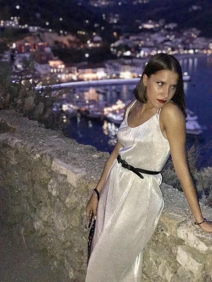 Vasiliki Oikonomou model (μοντέλο). Photoshoot of model Vasiliki Oikonomou demonstrating Fashion Modeling.Fashion Modeling Photo #200037