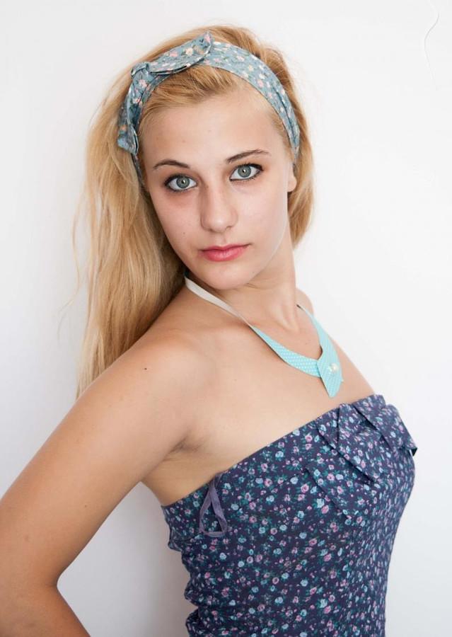Βενετία Ψωμιάδου Model & Actress