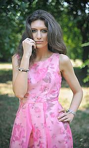 Veronica Lorini model (modella). Photoshoot of model Veronica Lorini demonstrating Fashion Modeling.Fashion Modeling Photo #160130