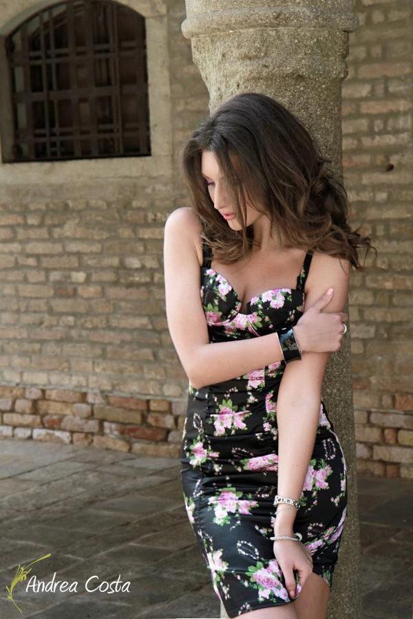 Veronica Lorini model (modella). Photoshoot of model Veronica Lorini demonstrating Fashion Modeling.Fashion Modeling Photo #160145