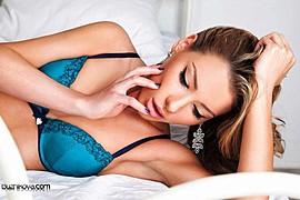 Veronika Kravchuk (Verónika Kravchuk) model & tv host. Photoshoot of model Veronika Kravchuk demonstrating Face Modeling.Face Modeling Photo #123780