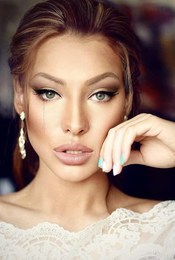 Veronika Kravchuk (Verónika Kravchuk) model & tv host. Photoshoot of model Veronika Kravchuk demonstrating Face Modeling.Face Modeling Photo #123783
