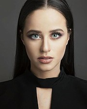 Vicky Makrygianni model (μοντέλο). Photoshoot of model Vicky Makrygianni demonstrating Face Modeling.Face Modeling Photo #194407