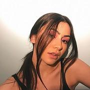 Victoria Tona model (μοντέλο). Photoshoot of model Victoria Tona demonstrating Face Modeling.Face Modeling Photo #229152
