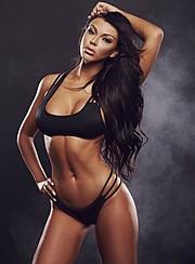 Vivian Kindle model. Photoshoot of model Vivian Kindle demonstrating Body Modeling.Body Modeling Photo #114072