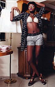 Maryanne Wairimu model. Photoshoot of model Wairimu Maryanne demonstrating Fashion Modeling.PurseFashion Modeling Photo #166627