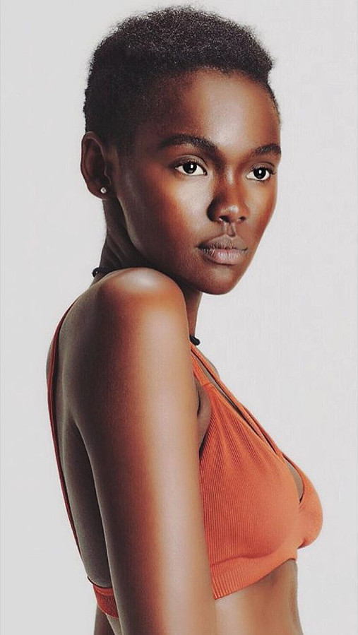 Maryanne Wairimu model. Photoshoot of model Wairimu Maryanne demonstrating Face Modeling.Face Modeling Photo #209071