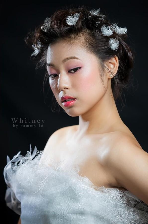 Whitney Chase model. Photoshoot of model Whitney Chase demonstrating Face Modeling.Face Modeling Photo #172282