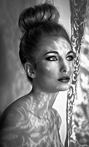 Le maquillage implique d'abord une sensibilité artistique. Le maquilleur doit mettre en valeur une personnalité (comédien, modèle photo…). I