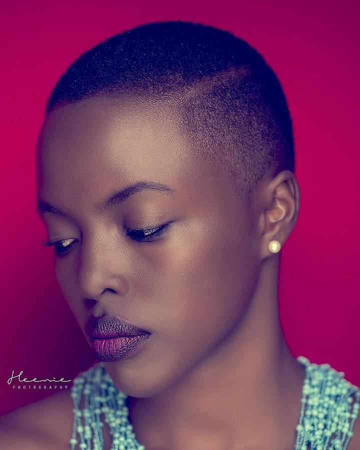 Winnie Wanja model. Photoshoot of model Winnie Wanja demonstrating Face Modeling.Face Modeling Photo #171713