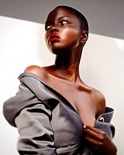Winnie Wanja model. Photoshoot of model Winnie Wanja demonstrating Face Modeling.Face Modeling Photo #174752