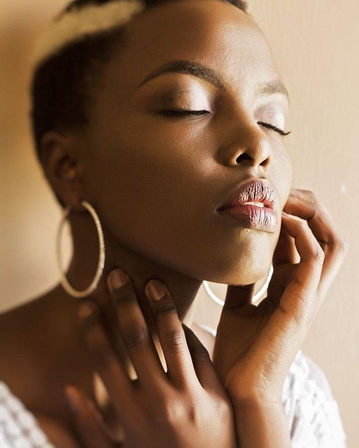 Winnie Wanja model. Winnie Wanja demonstrating Face Modeling, in a photoshoot by Muruka Matuku with makeup done by Grace Wamwitha.photographer: Muruka Matuku makeup: grace wamwithaFace Modeling Photo #188941