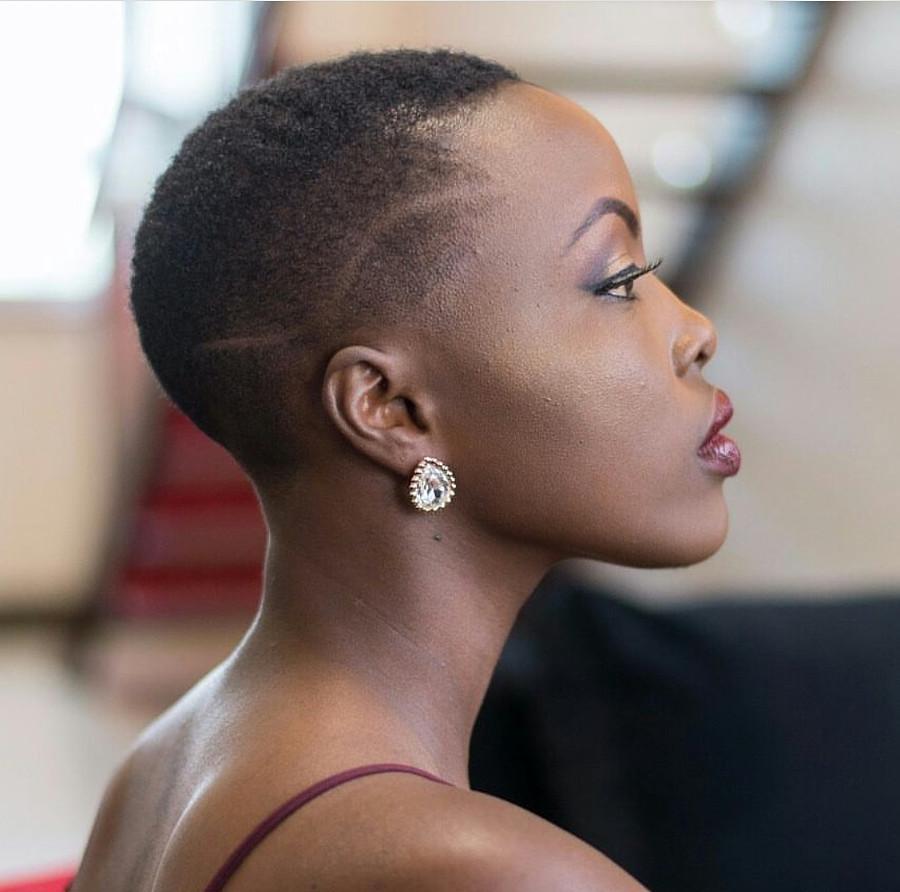 Winnie Wanja model. Photoshoot of model Winnie Wanja demonstrating Face Modeling.Face Modeling Photo #226359