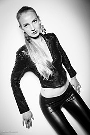Xenia Duyun model (μοντέλο). Photoshoot of model Xenia Duyun demonstrating Fashion Modeling.Fashion Modeling Photo #166005