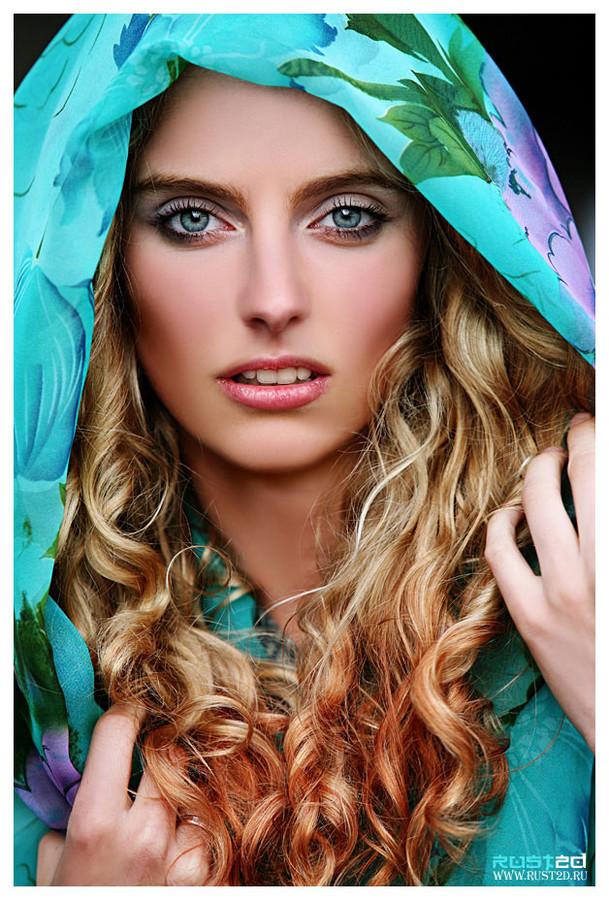 Yana Ultra model (Яна Ультра модель). Photoshoot of model Yana Ultra demonstrating Face Modeling.Face Modeling Photo #78110