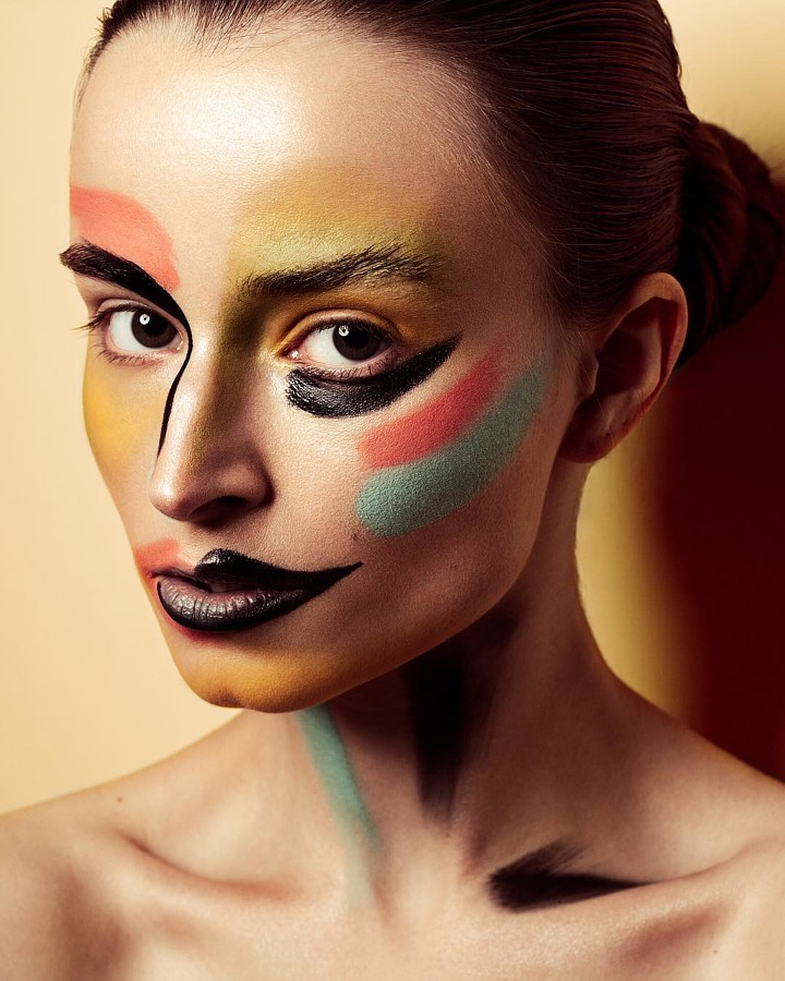 Yulia Bukreeva makeup artist (Юля Букреева визажист). Work by makeup artist Yulia Bukreeva demonstrating Creative Makeup.Creative Makeup Photo #196597