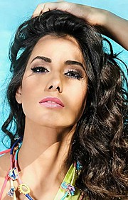 Zayneb Azzam model. Photoshoot of model Zayneb Azzam demonstrating Face Modeling.Face Modeling Photo #174427