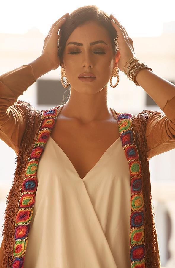 Zayneb Azzam model. Photoshoot of model Zayneb Azzam demonstrating Face Modeling.Face Modeling Photo #174457