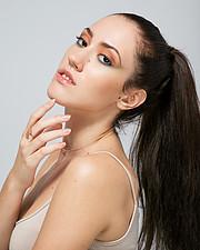 Zina Balati (Ζήνα Μπαλατή) model. Photoshoot of model Zina Balati demonstrating Face Modeling.Face Modeling Photo #222789